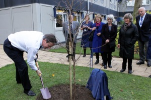 PM witney tree planting: Picture: Ric Mellis