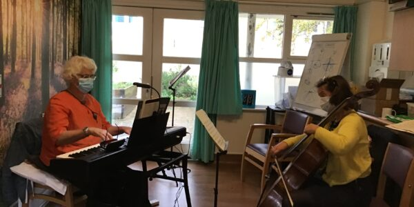Concert strikes the right note with patients